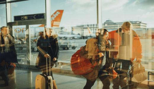 在留資格持つ外国人、再入国制限を9月全面緩和へ